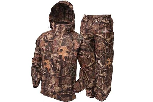 Choosing Rain Gear For Hunting