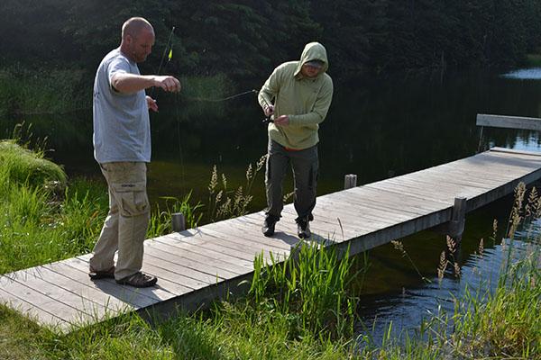summer-family-fishing-thumb